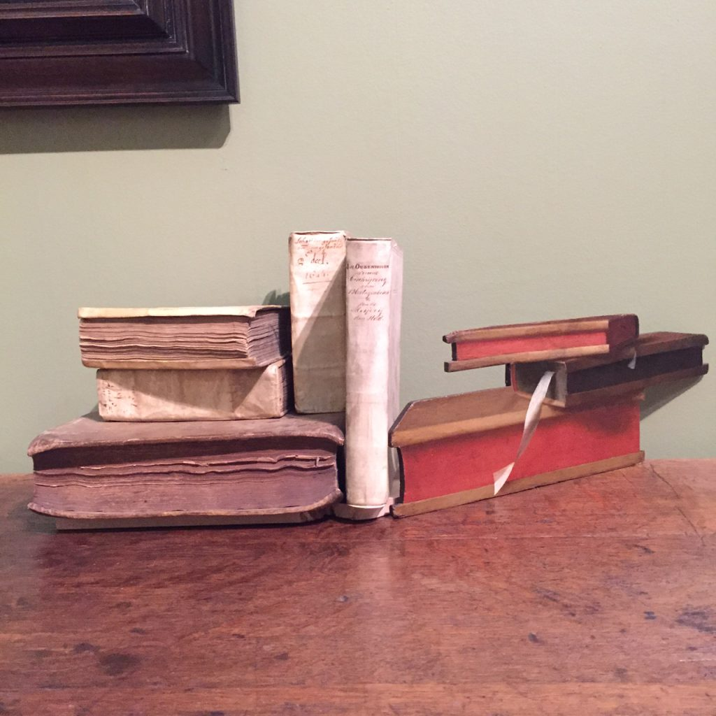 Trompe l'oeil met boeken (Dordrechts Museum)