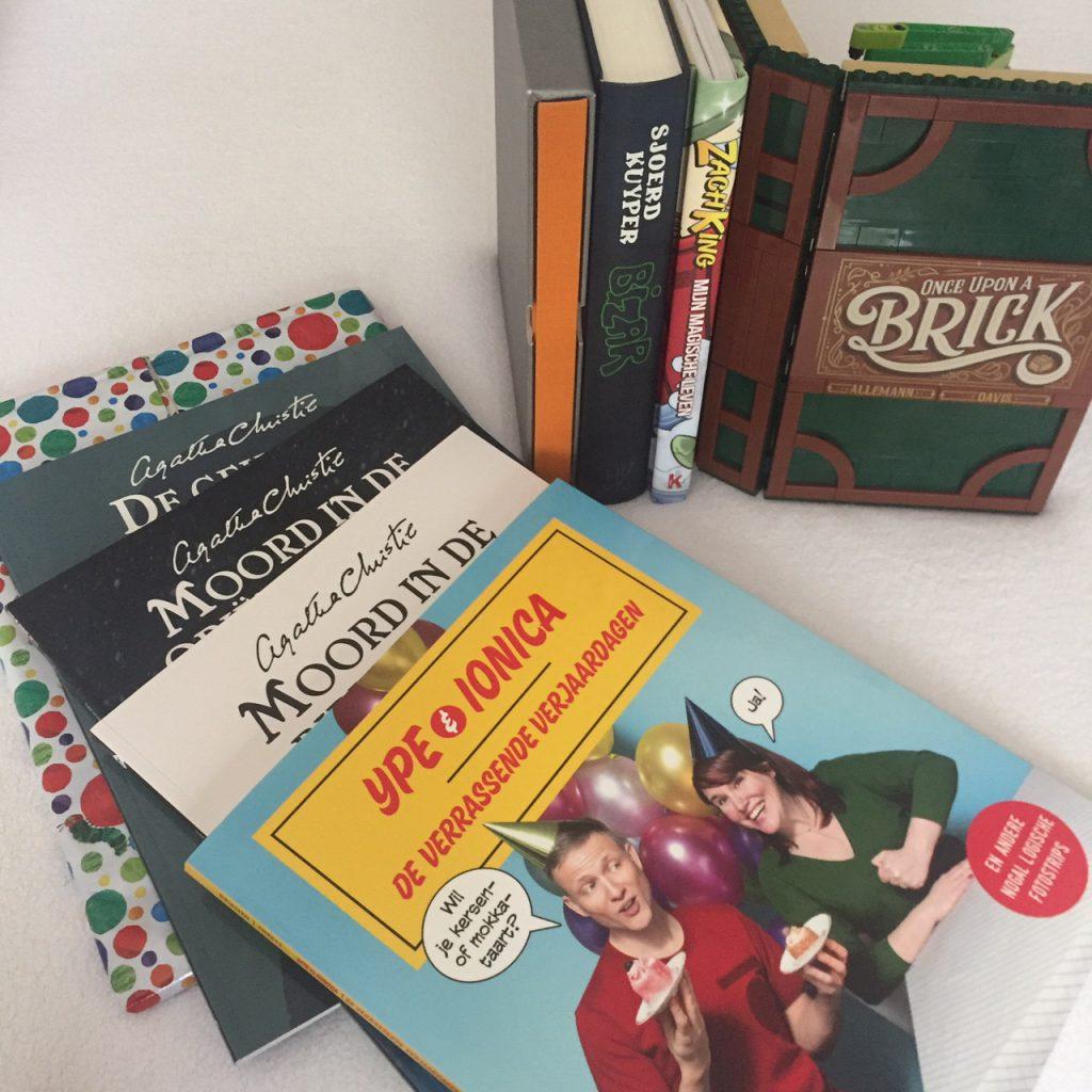 Een aantal gerencenseerde boeken